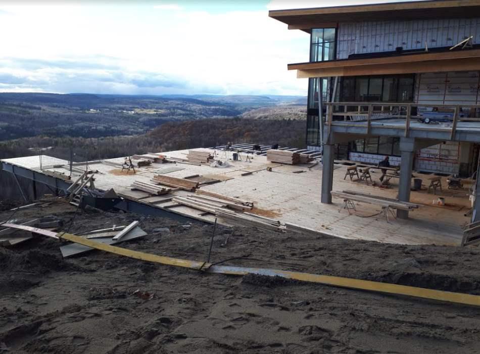 Construction du site de villégiature à l'Auberge de la Montagne